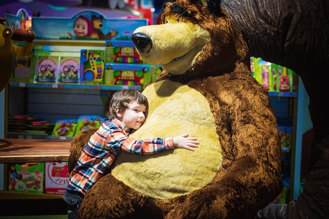 kluk u medvěda.jpg