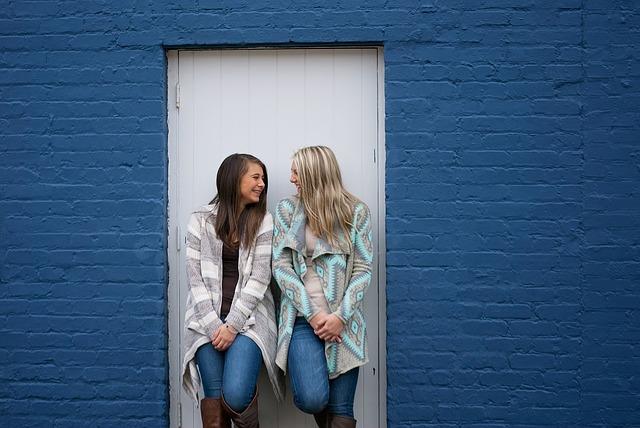 kamarádky u dveří