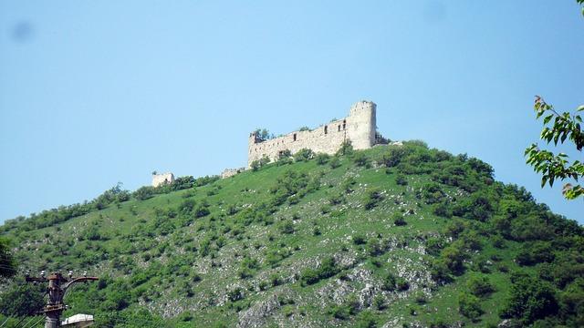 zřícenina hradu Děvín na Pálavě